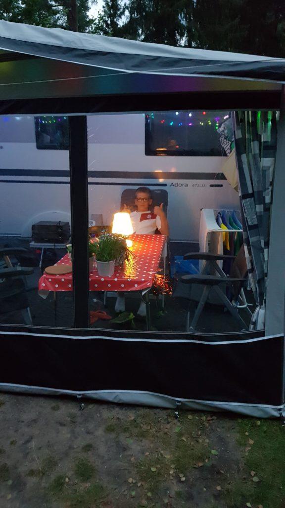 gezellig, knus in de voortent op camping De Paalberg, Ermelo