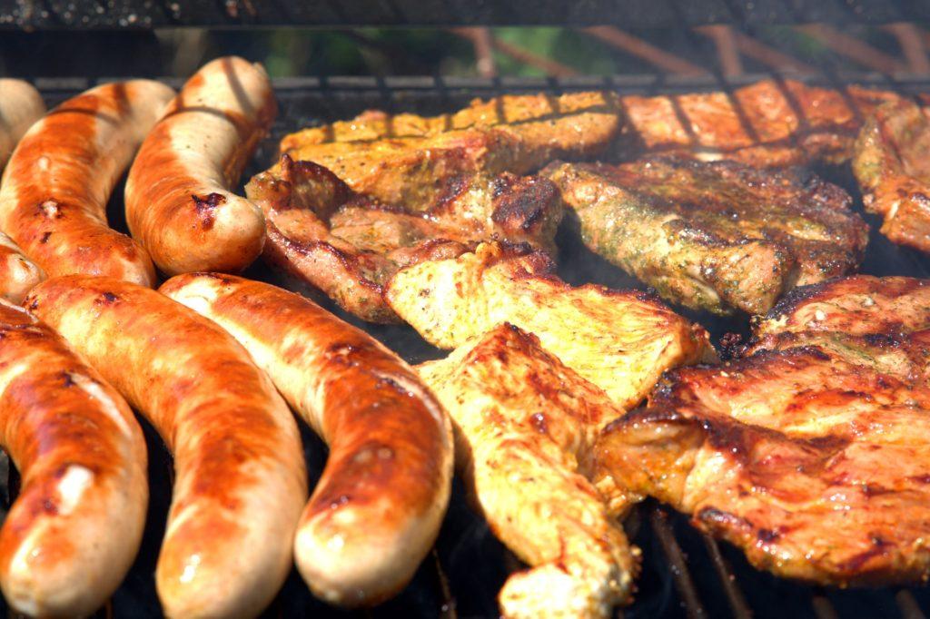 vlees op de BBQ, BBQ-en op de camping